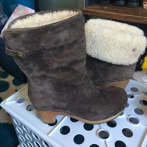 Uggs woman size 6